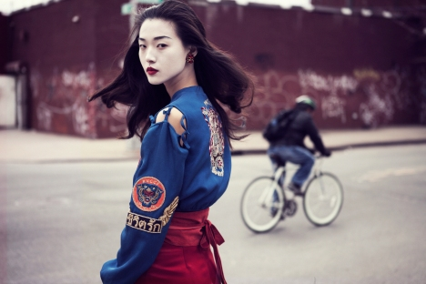 Tian-Yi-by-Oliver-Stalmans-Memoirs-Of-A-Geisha-Elle-Vietnam-May-2013-6