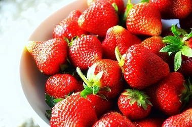 0825_Fresh_Strawberries_from_Sanok_Poland_2013