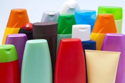öâåòíûå ïëàñòèêîâûå ôëàêîíû øàìïóíåì Colour plastic bottles sham